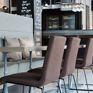 restaurant-plectrum-chairs-comfort-hotel