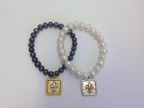 (PB3) pearls with fleur de lis charm