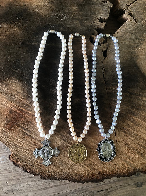 """18"""" pearls with large medallion"""