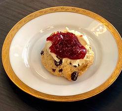 Rosinen Scone mit Marmelade