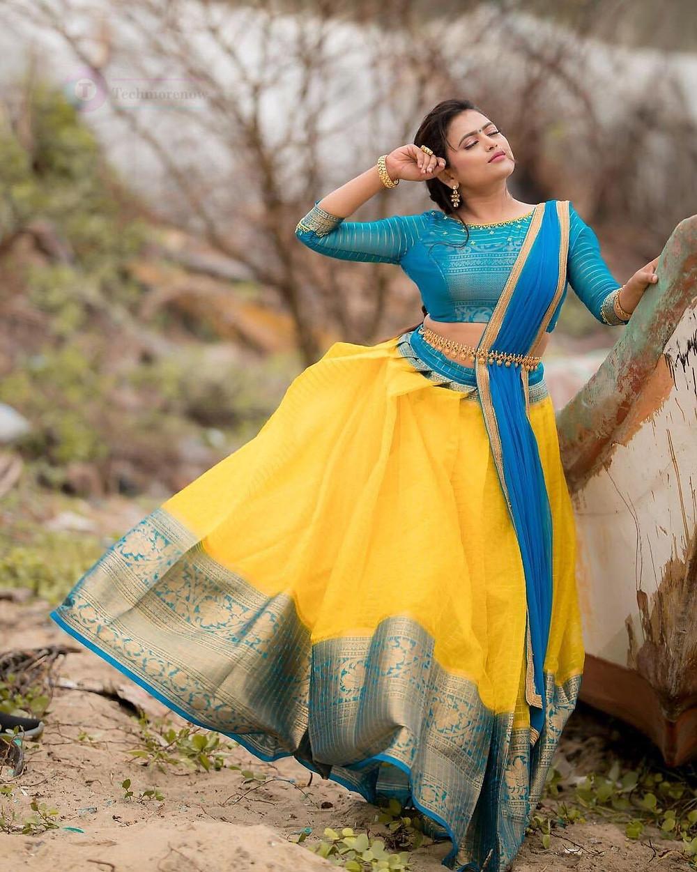 Bharathi kannama Venba Farina Azad age