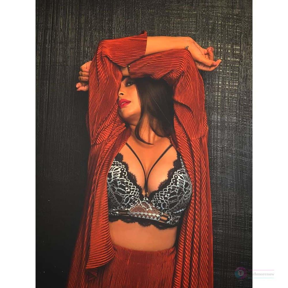 Bavithra Vj Hot Images