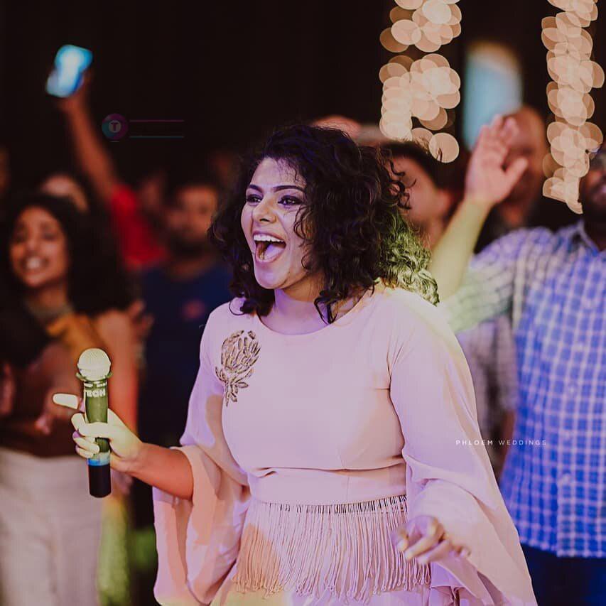 RJ Lekshmi Jayan Singer Images