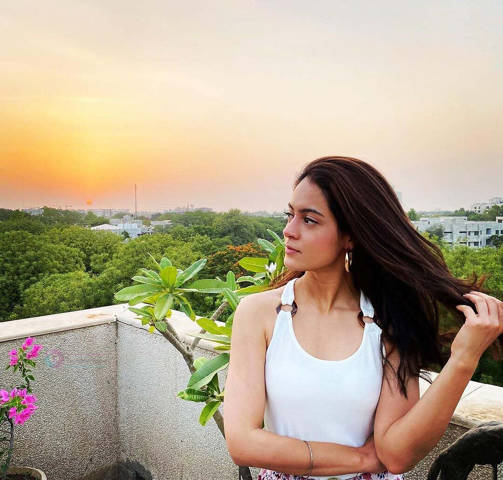 Anya Singh Image Download