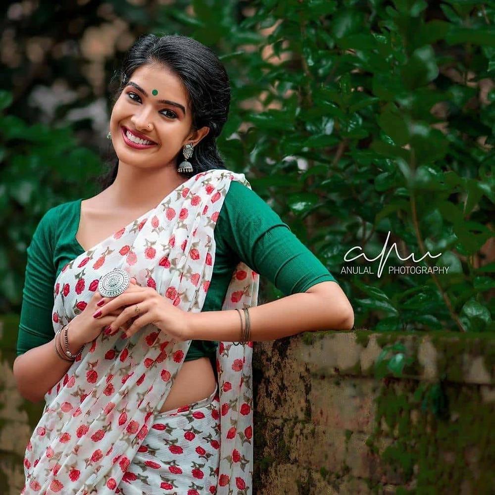 Vijay Tv Actress Monisha Images
