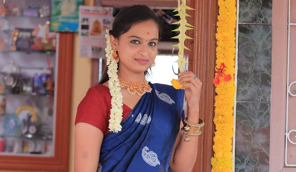 Reshma (Naakout) Biography