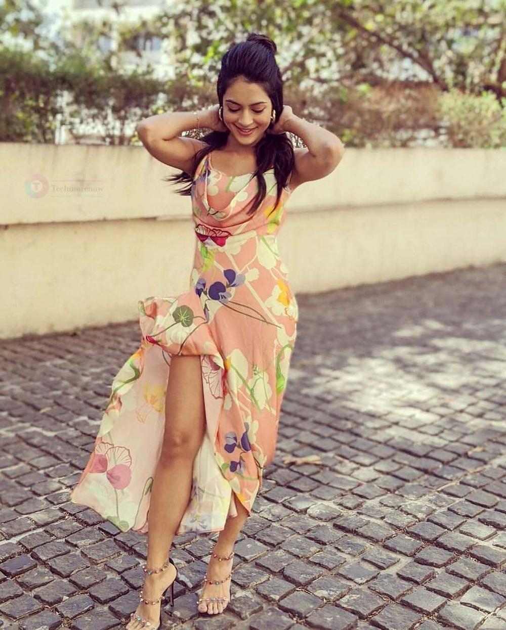 Anya Singh HD Photos