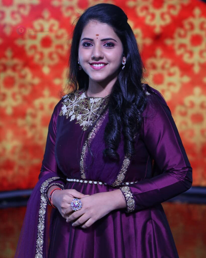 sireesha bhagavatula super singer