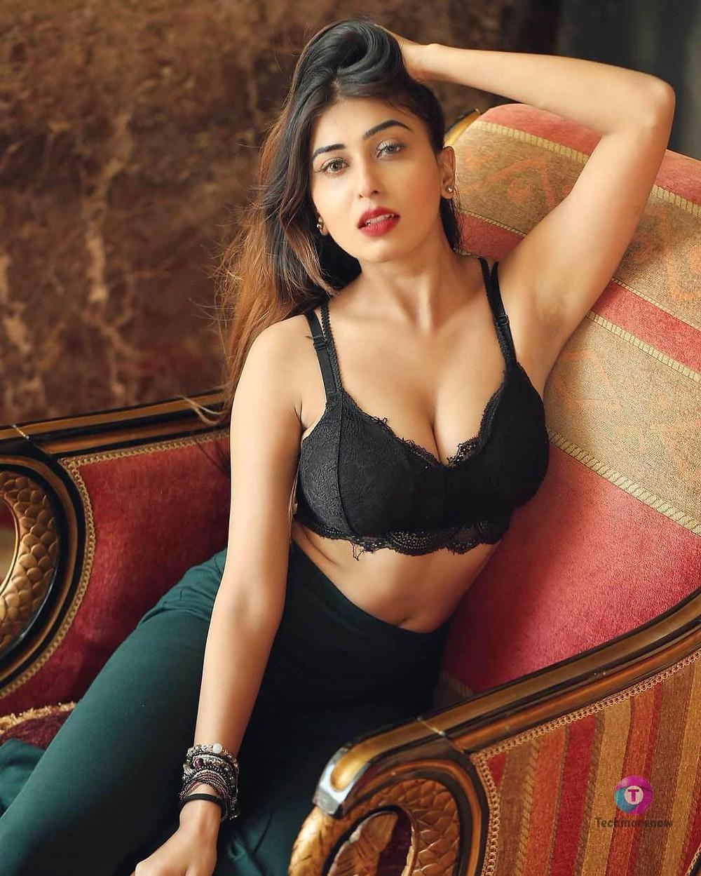 Ruma Sharma Hot Images