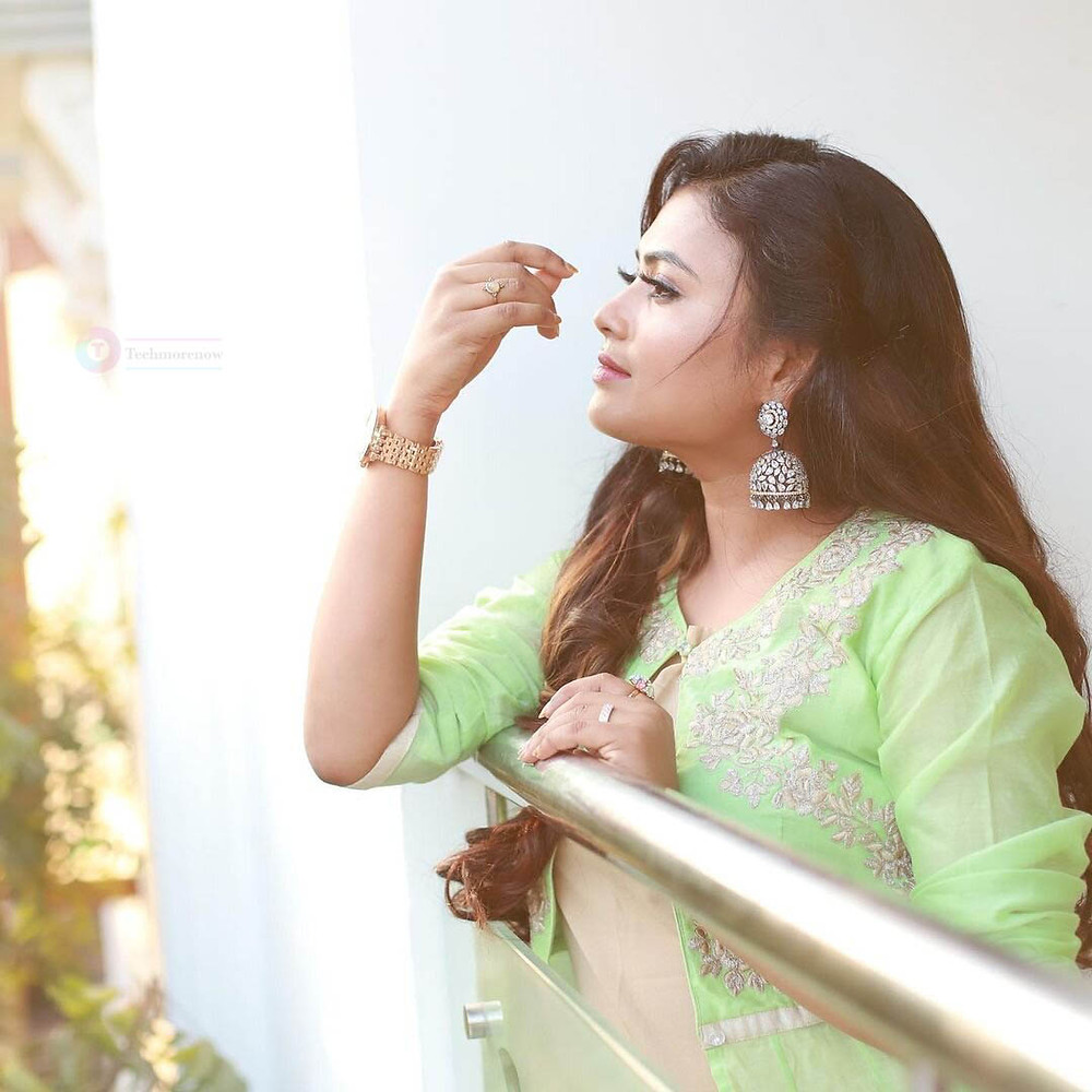Farina Azad Barathi Kannama Vanba Wiki