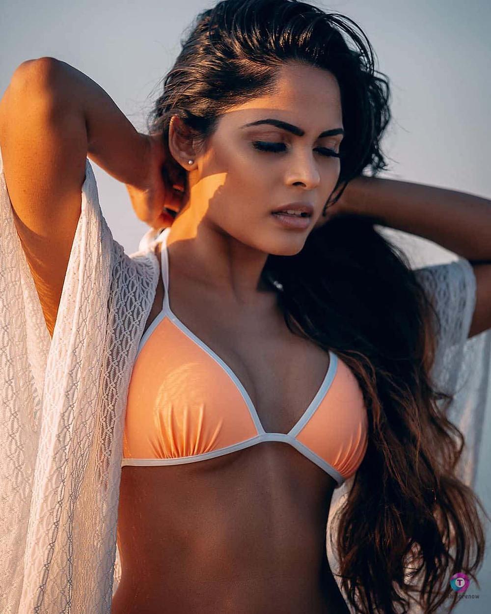 Narvini Dery Bikini Photos