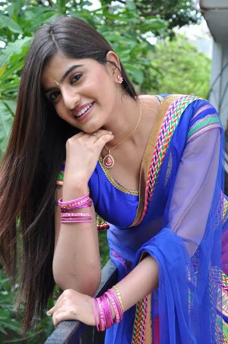 Keerthana Podhuval Images