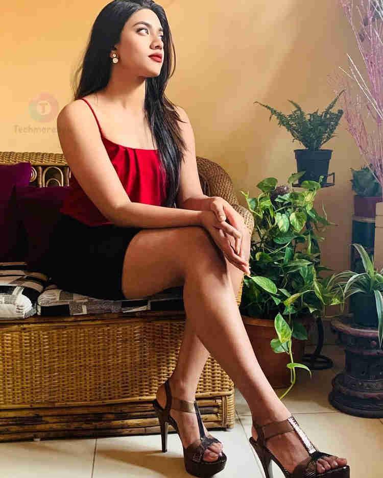 Malavika Satheesan Telugu Actress