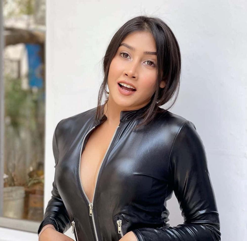 Sofia Ansari Biography