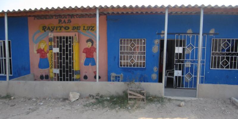 Escuela primaria en el Barrio Villaselene
