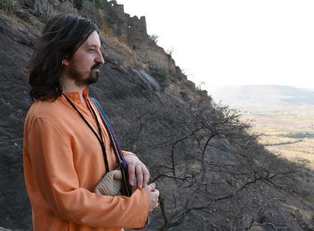 Йога, духовность, отрешенность