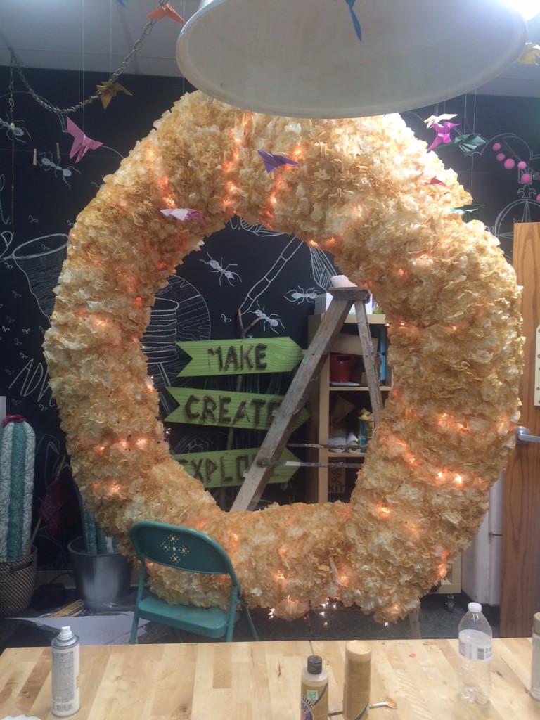 fixed wreath full back room