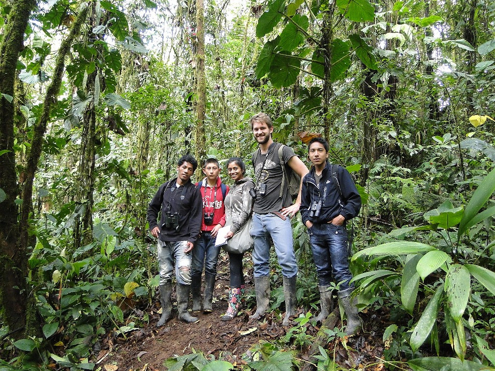CBC Un poco del Chocó-Bird count on Luis' farm