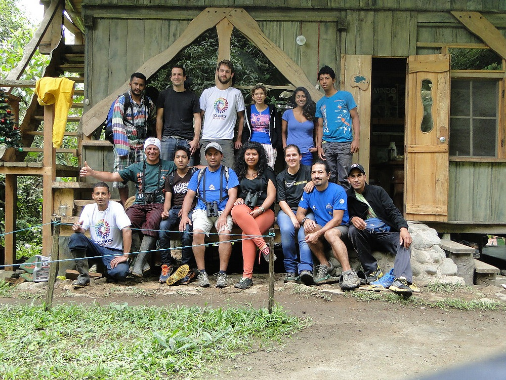 CBC Un poco del Chocó-Group photo with friends from Mindo