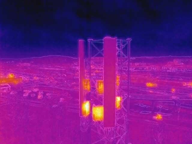 Dronarinspektion hustak exempel värmekamera