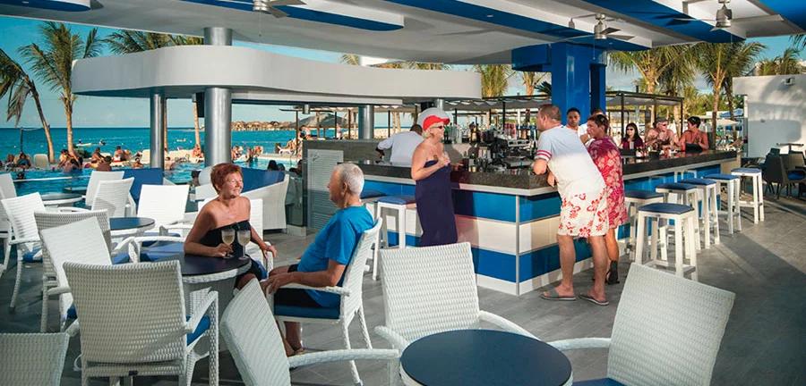 Hotel Pool Bar