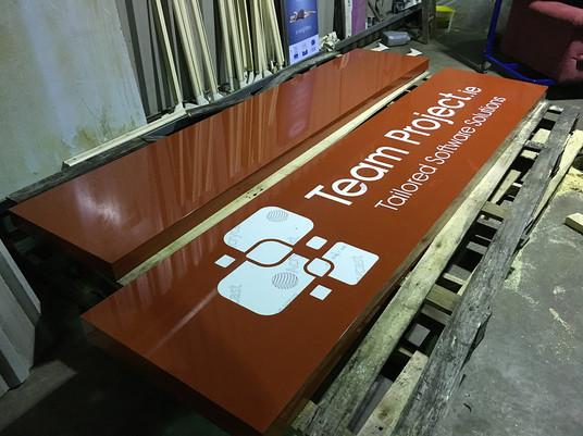 sign tray