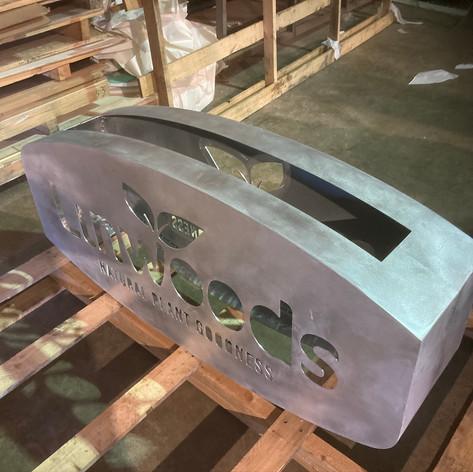 totem-sign-fabriacted-aluminium-prior-to