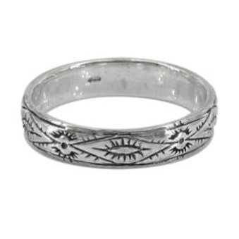 'patterned' band ring