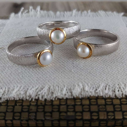 'brushed' pearl ring