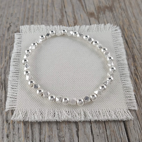 faceted & round repeat stretchy bracelet