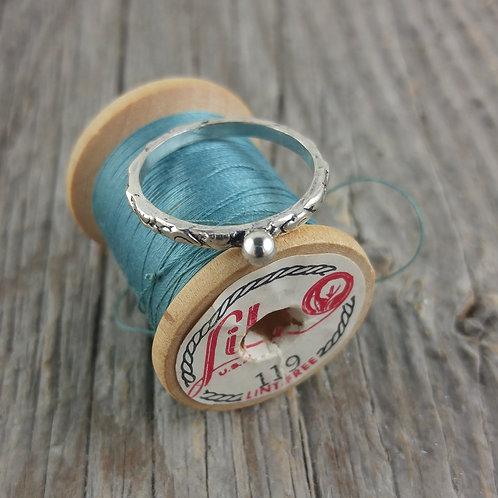 'mini' ball band ring