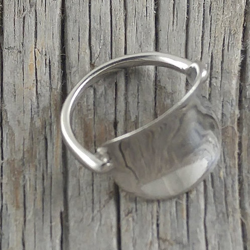 curved 'buckle' ring