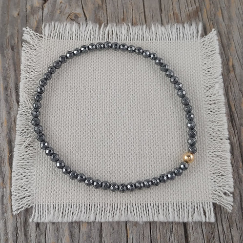 3mm 'hematite' & 4mm golden stretchy bracelet