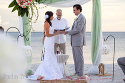 Mint wedding on the beach