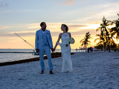 European elegance in the tropics ( Key West simple and elegant wedding on the beach )