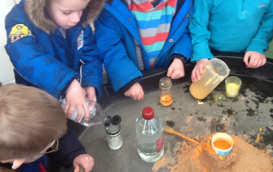 volcano effects with bicarb & vinegar (1