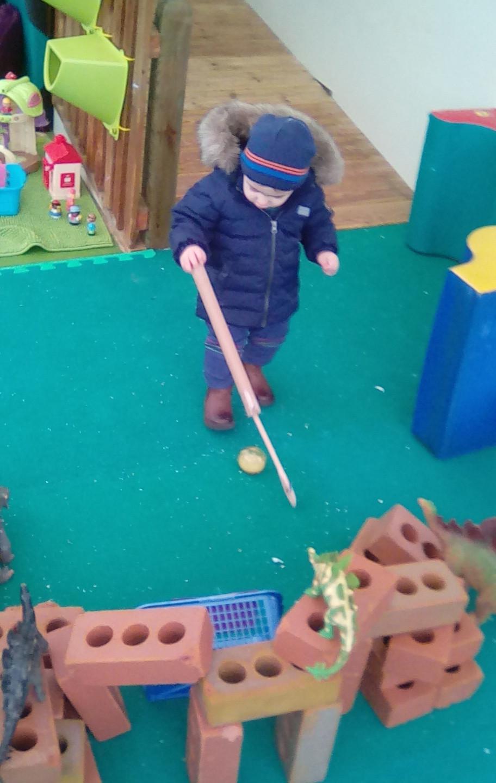 Playing golf (2)