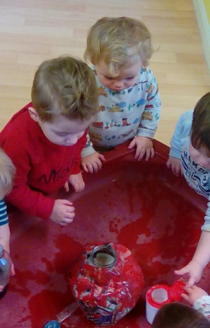 volcano effects with bicarb & vinegar (3