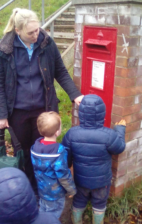 posting letters to santa (7)