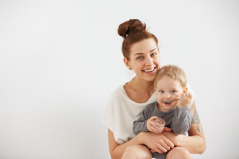 mother and child eating together bristol nutritionist support.jpg