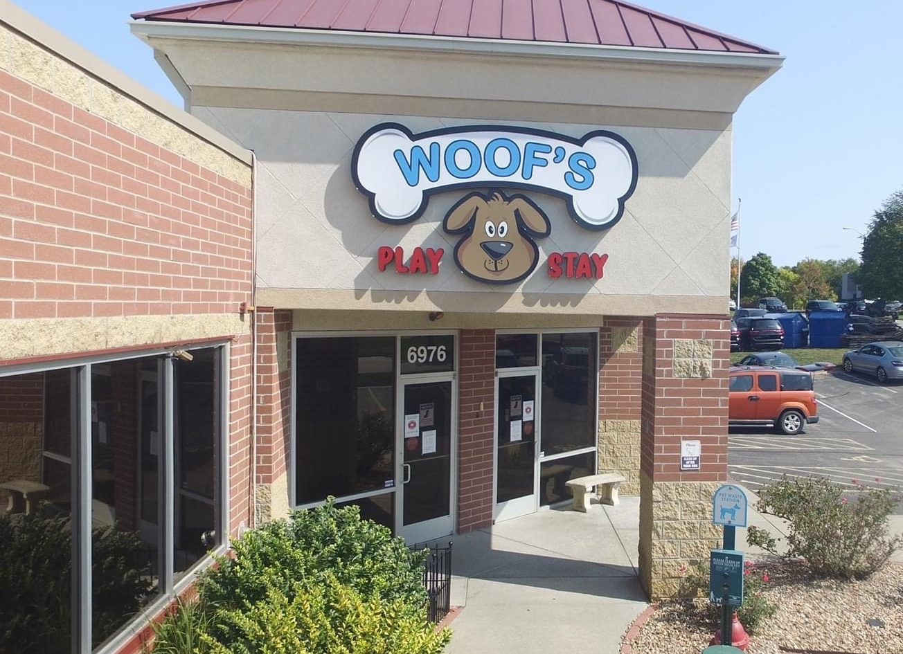 Woof's South Overland Park