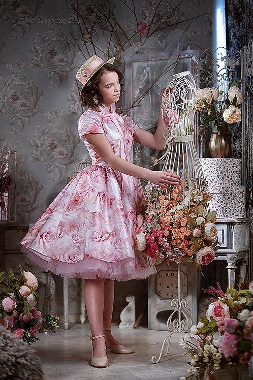 Модель Розовая роза миди