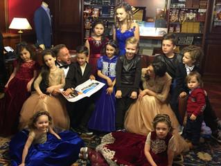 Благотворительная  Съёмка                             Оскар Кучера с семьёй.