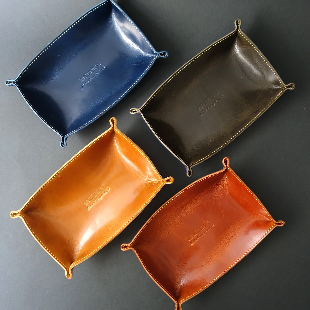 Leather Factory Roberu For Modern Times Leather Tray 2015