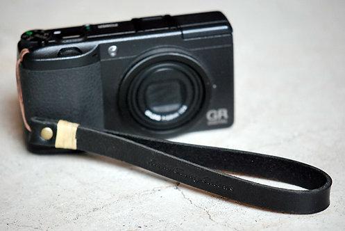 Roberu Leather Hand Strap - Black