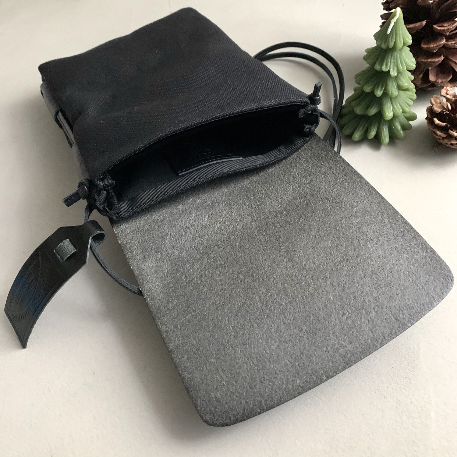 Thumbnail: Anchor Bridge Italy Etrsuco Leather Shoulder Pouch