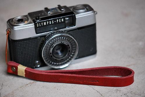 Roberu Leather Hand Strap - Red