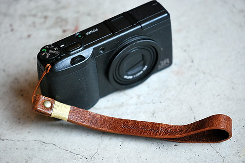 Roberu Leather Hand Strap - Brown