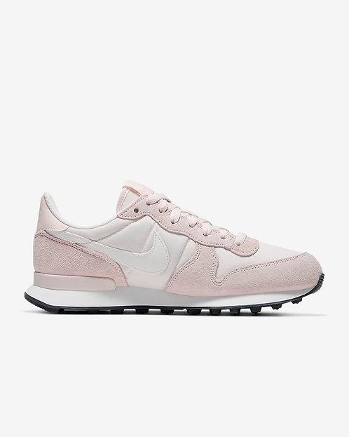 Nike Internationalist W - Light Soft Pink