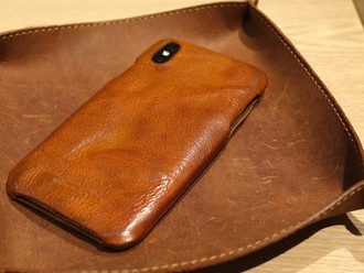 【ROBERU IPHONE X CASE・WASH LEATHER CAMEL】